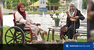 نگهداری از سالمندان در دنیای شلوغ امروز